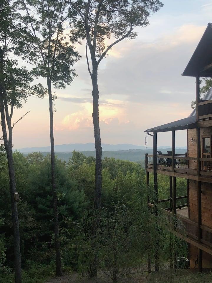 Luxury Blue Ridge Mountain Top Cabin!