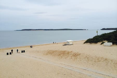 Luxury Beach Front Apartment - Tenby - Leilighet