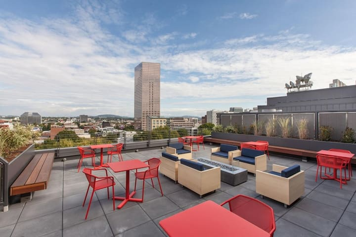 100 Walkscore Pearl District Condos 1BD 8 F