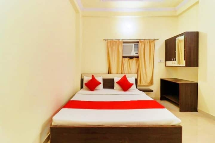 Best Transit Hotel Near Mughalsarai Rail'y Station