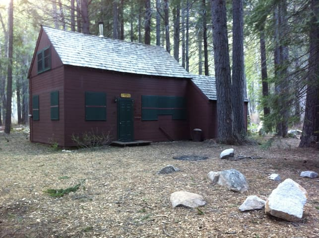 Cozy Cabin in Woods, on the River - South Lake Tahoe - Cabin