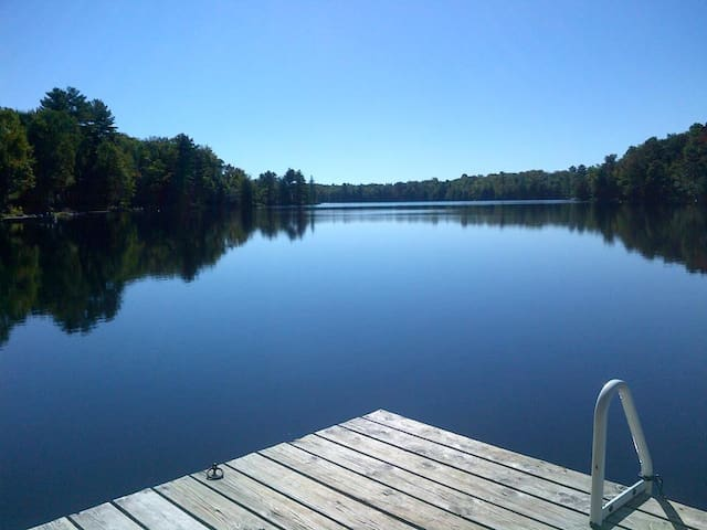 Lake House at Clifton Lane Muskoka - MacTier - Houten huisje