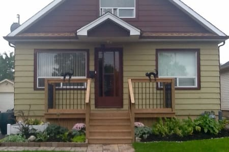 10 Eastbourne Ave - Niagara Region - Saint Catharines - House