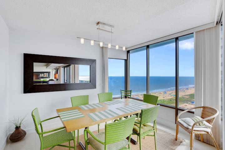 NEW LISTING! Beautiful oceanview condo w/ shared pool, game room & tennis court