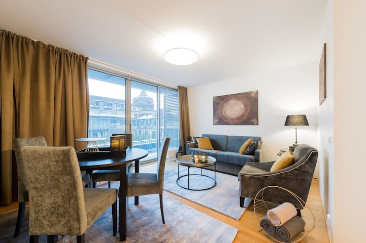 City center - DELUX 1BD, sleeps 4