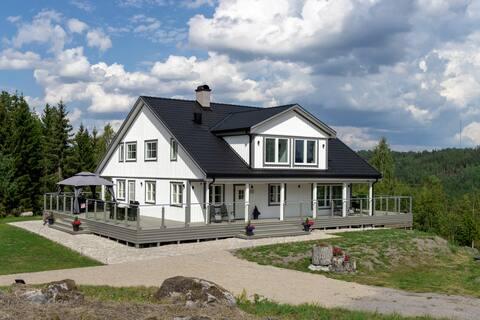 Lägenhet i villa nära Astrid Lindgrens värld