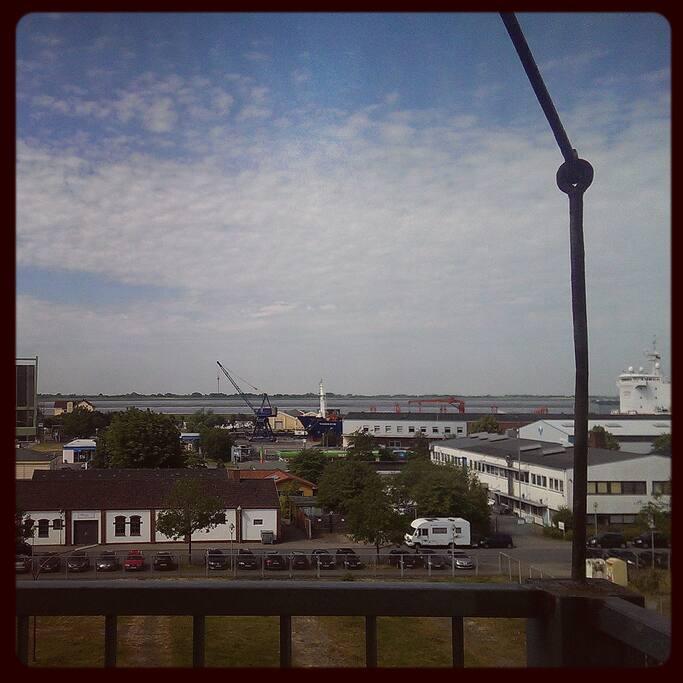 Blick vom Balkon auf die Weser!