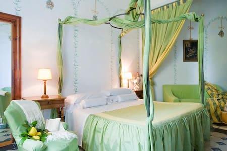 Relais Villa Giulia - Torre Suite - Fano - Bed & Breakfast