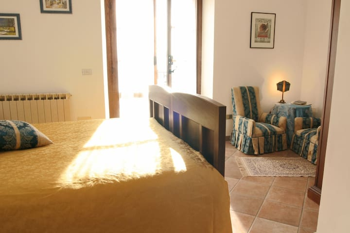 A romantic retreat near 5 Terre + breakfast! - Olivola - Bed & Breakfast