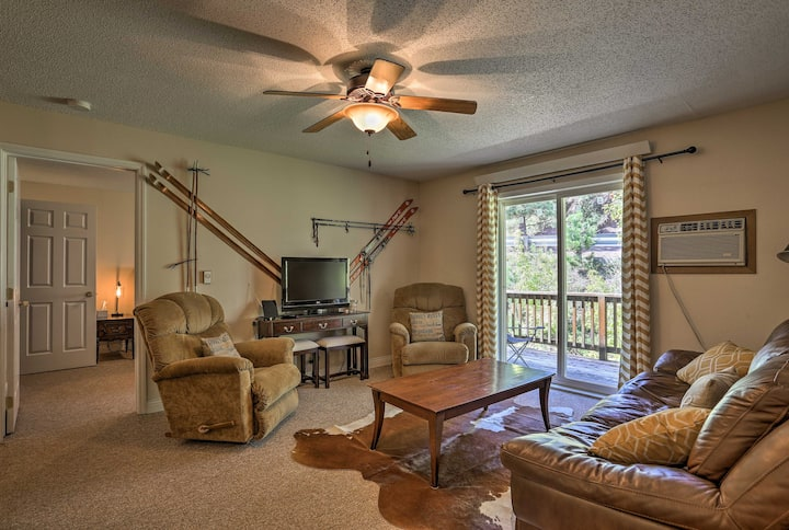 Quiet Lead Condo w/ Balcony - 5 Mi to Ski Lifts!