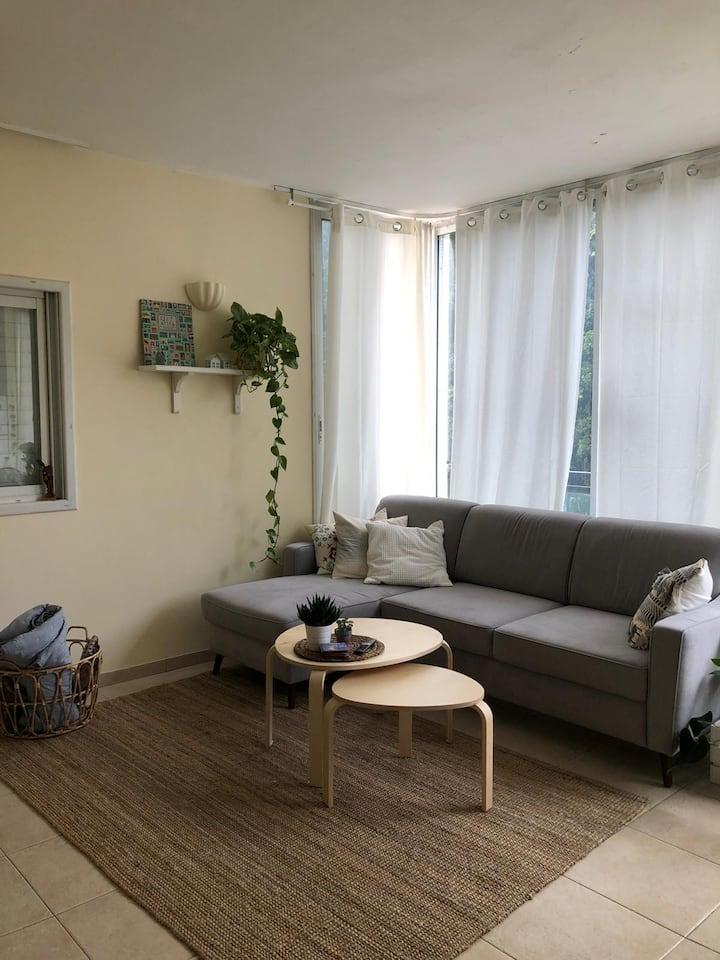 Beautiful flat near Yarkon park