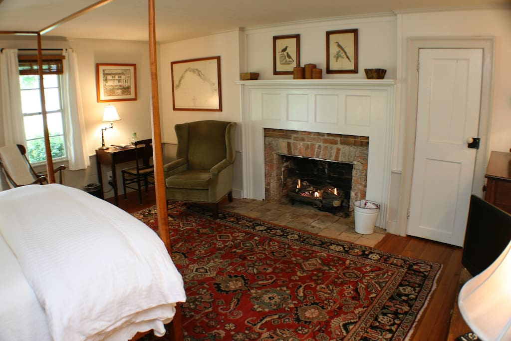 1801 Room with Fireplace
