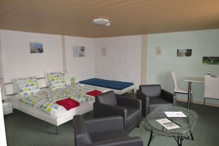 Triple room-Basic-Ensuite-Jura