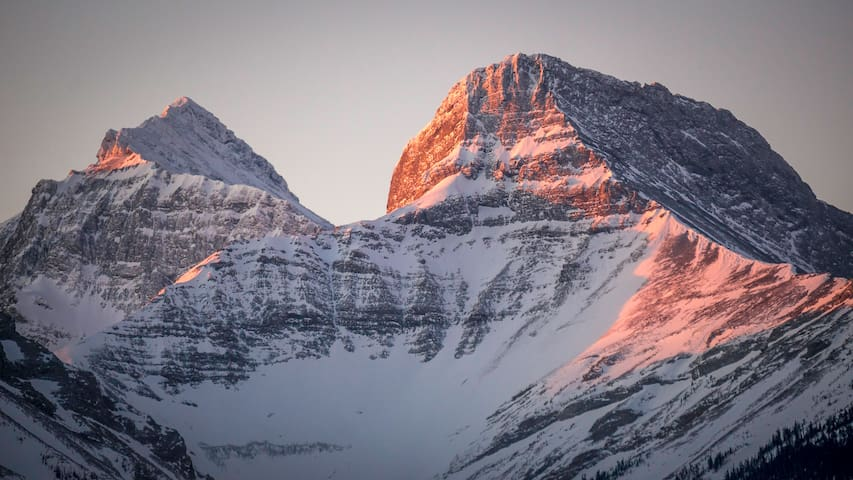 Alpenglow Escapes