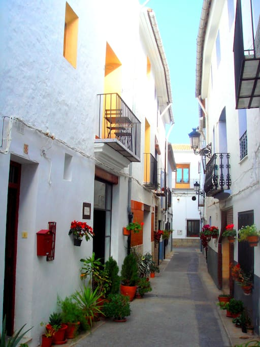 Narrow street only 50m from the main square