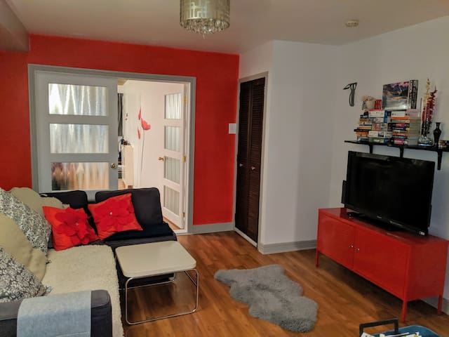 Red appartment in the heart of NDG