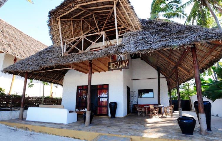 Beach Front Villa Hideaway ZanzibarHouses