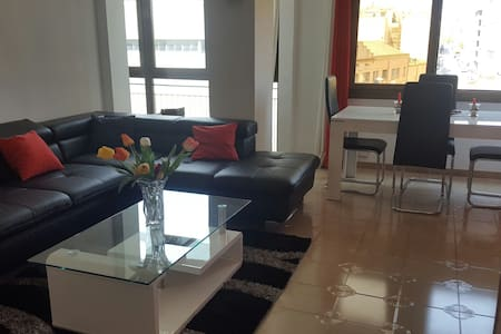 Private double roomBest location close to Camp Nou - Appartement