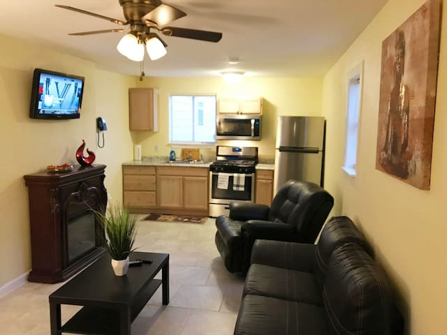 Comfortable 1 BR apartment in Dallas, TX