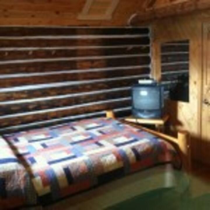 Eagle Ridge Ranch Little Studio Cabin