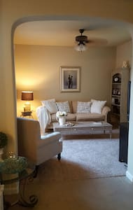 Inviting and relaxing Master Suite! - Roseville