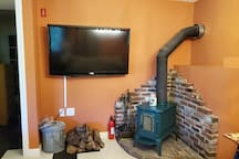 Working wood stove & TV with Roku