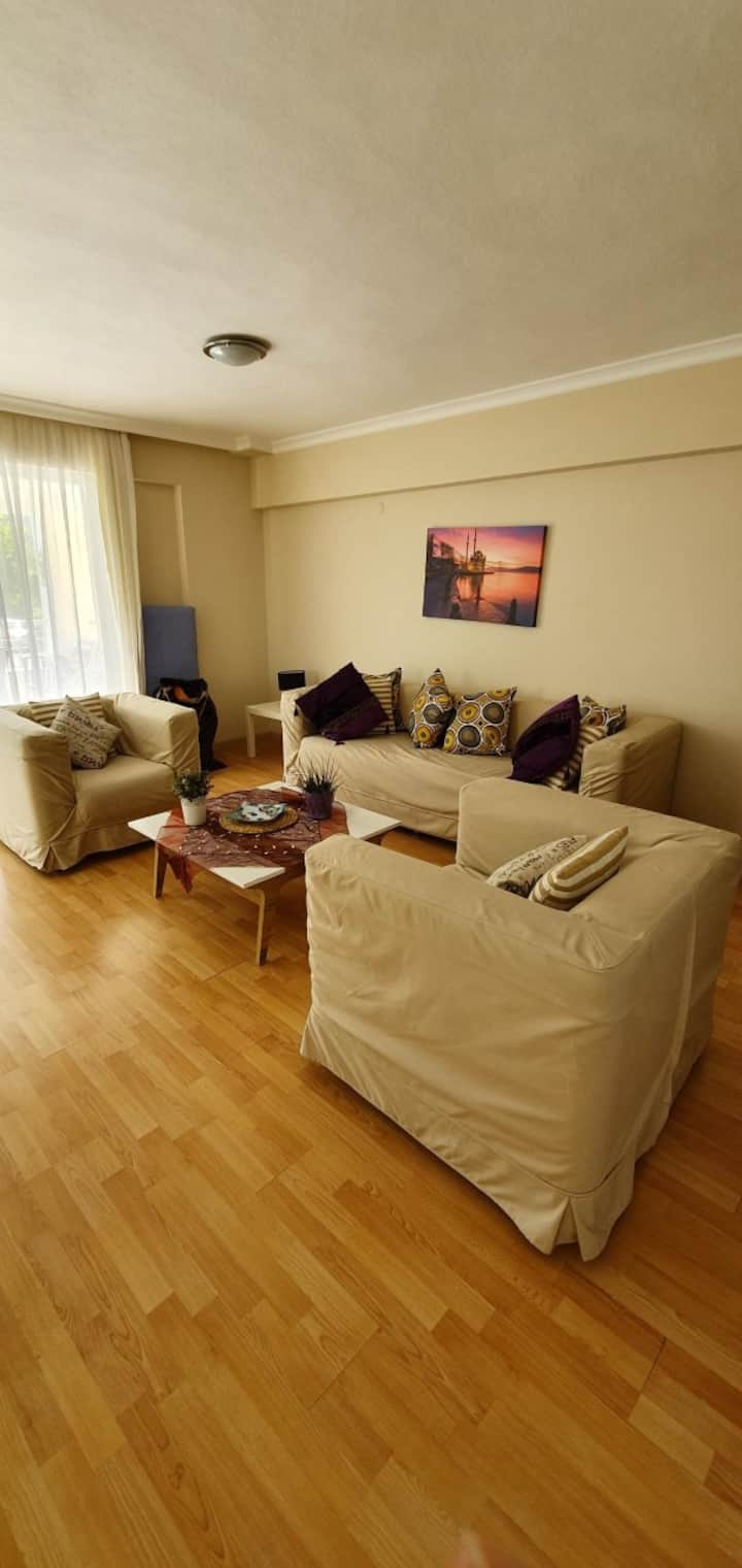 COMFORTABLE  HOUSE SHARED POOL EXCELLENT LOCATİON