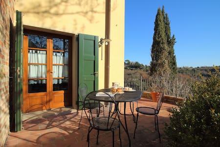 Il Bosco - flat on olive farm with hilltop pool - Palaia - Apartamento
