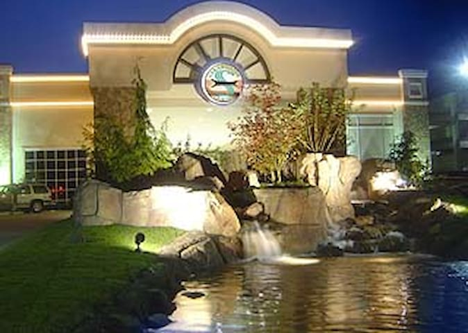 Clearwater Casino and Resort is less than 2 miles from Songbird House