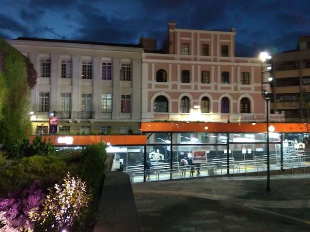 Hostal Mediodía en el centro de Quito