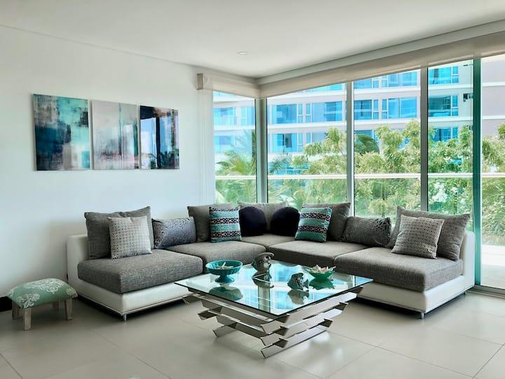 Luxury 3 Bedroom Beach Front Apartment