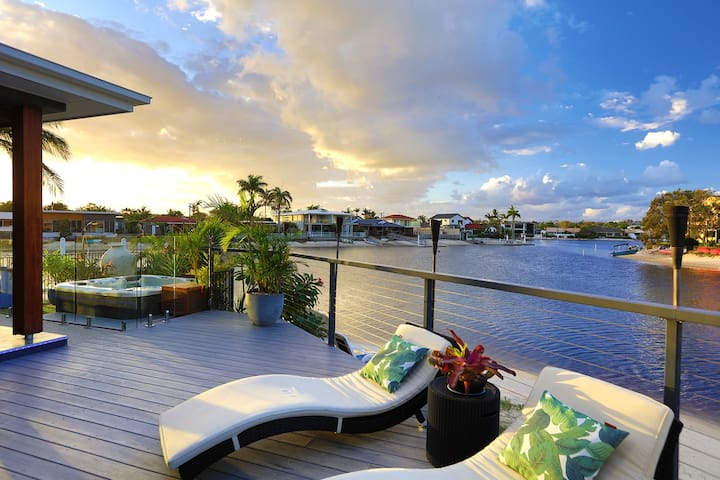 Mooloolaba Waterfront Resort Home
