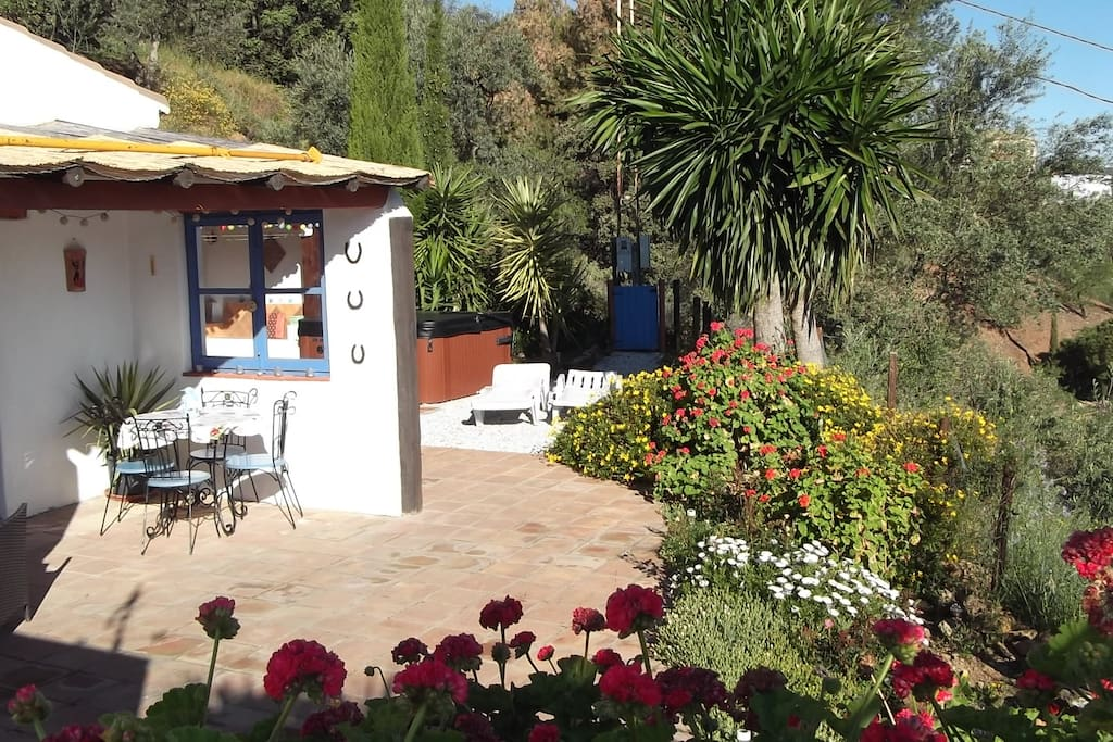 Secluded and private. Cottage style exclusive accommodation.