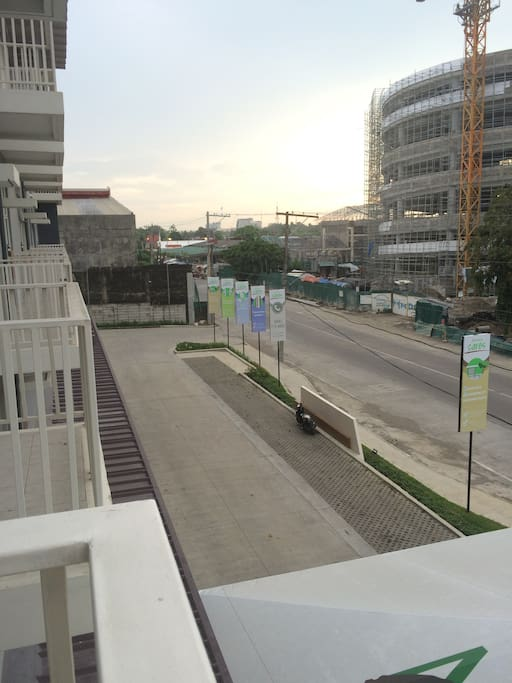 When you walk outside your terrace you can have a nice view of Ayala mall (under construction, will be completed October)