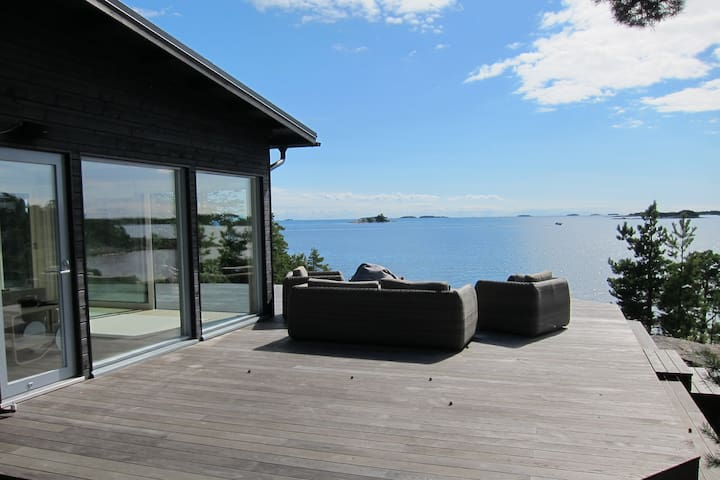 Oceanfront Villa on a Private Island - Kirkkonummi
