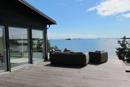 Oceanfront Villa on a Private Island - Kirkkonummi - Willa