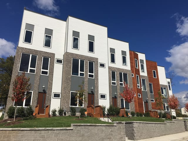 NEW Melrose Townhome(s) Unit 2