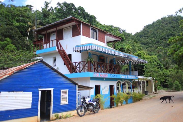 Casa de Huespedes Jenny @ Playa El Valle Hab#3