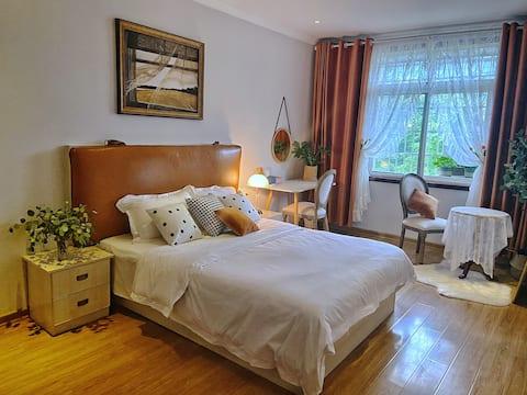来拍照吧|法风浪漫公寓|巨幕私人影院|长大荆职考试出差|荆州古城|自助入住|旅游美食尽享