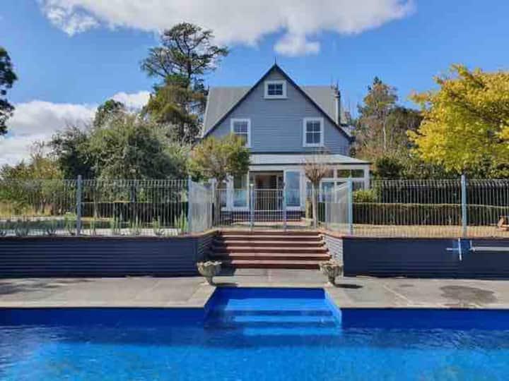 Rose Cottage - swimming pool - Kahutara, Wairarapa