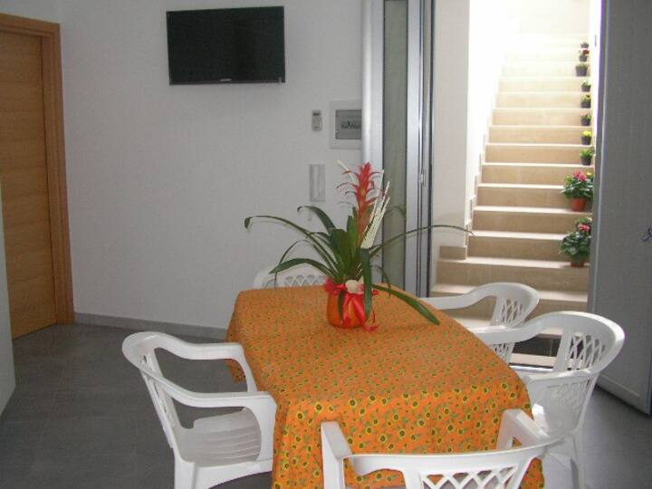 Apartment in the basement with garden (sleeps 4)