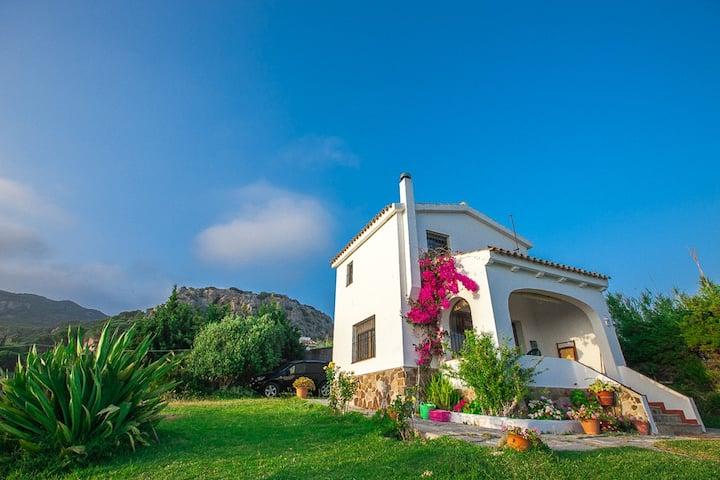 Casa a 200 metros de la playa de Punta Paloma,