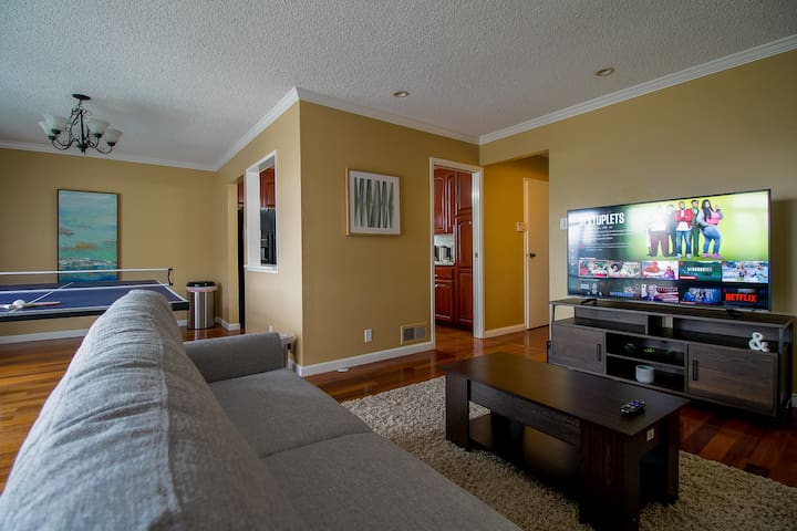 Gorgeous Private Room near Ocean, great location!