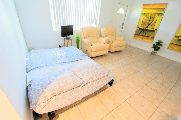 Futon Couch Bed (Hostel)