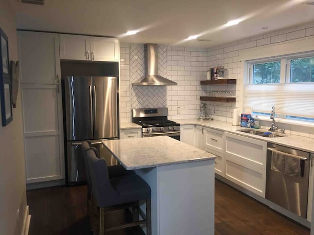Newly renovated home in Tremont