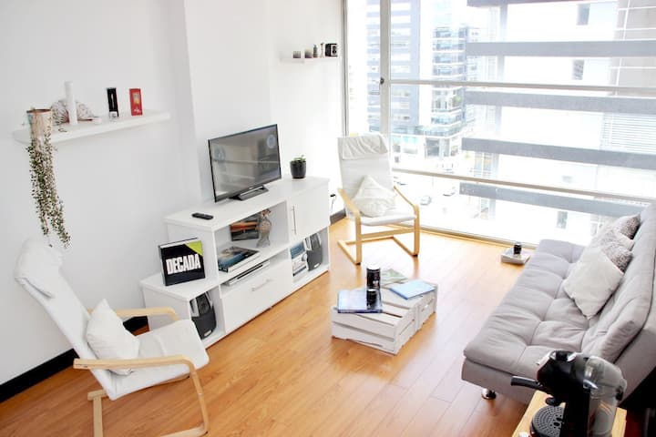 10th Floor Apt. Five ☆ location to visit the city!