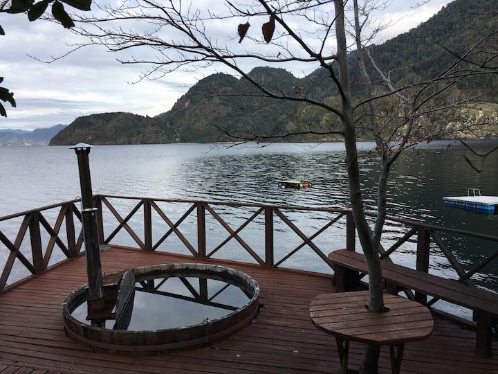*Ruka Wentu Kurra* Magical woodhouse over the lake
