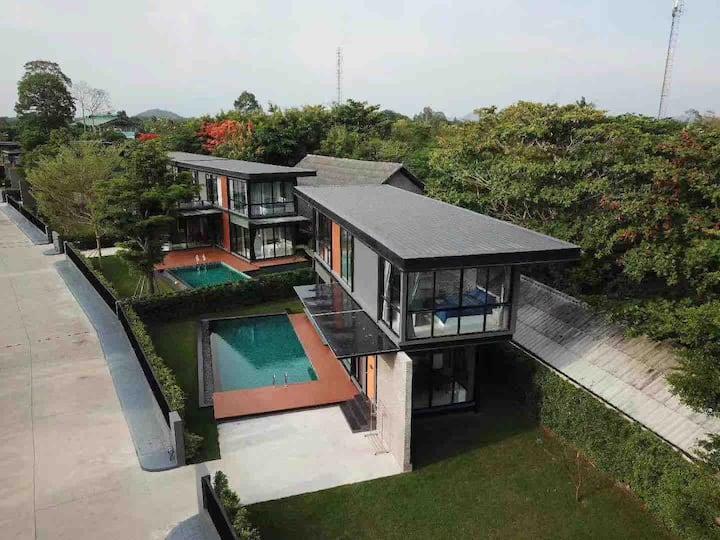 芭提雅yudee pool休闲聚会首选,高档独栋别墅、有泳池露台、可烧烤,七星级享受