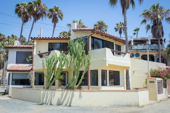 The Perfect Baja Med Beach House - Primo Tapia - House