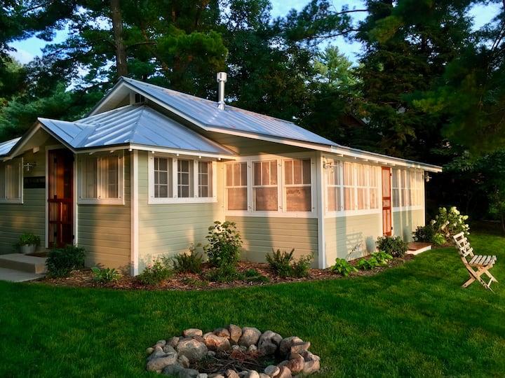 Charming Restored 1930's Waupaca Lake Cottage
